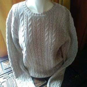 Soft Cable cashmere crew neck sweater